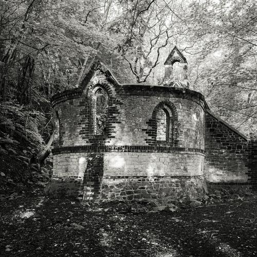 Catholic Architecture / Beacon