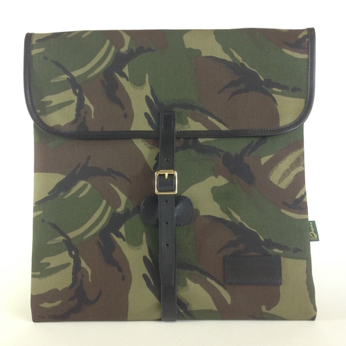 The Classic 12-Inch Record Hunting Bag - Camo